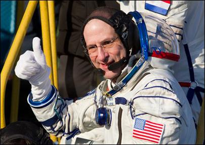 Donald Pettit: Explotando globos de agua en el espacio