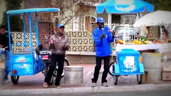 Así es como los vendedores ambulantes venden los helados en Jamaica