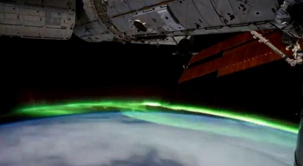 La Tierra iluminada desde la Estación Espacial Internacional