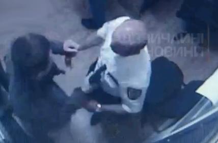 Mata a sangre fría a tres guardias de seguridad que le detuvieron por robar un USB