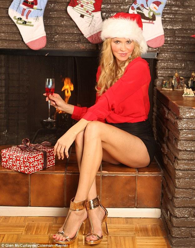 La cantante LeAnn Rimes nos felicita la Navidad de forma muy sexy