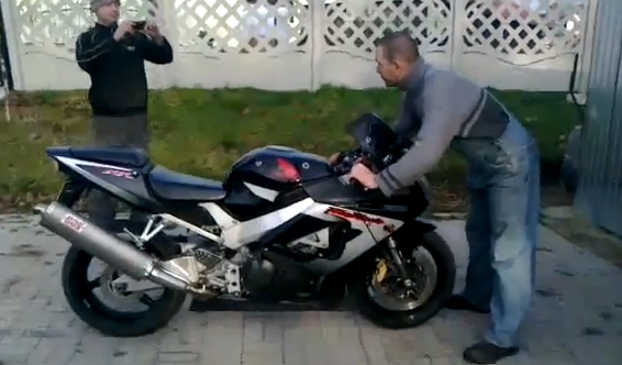 Cómo no guardar la moto en el garaje