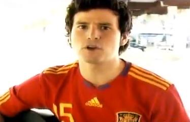 Himno de la Eurocopa cantado por Willy Bárcenas, hijo de Luis Bárcenas