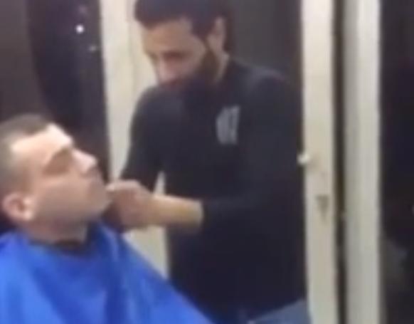 Mientras tanto, en la peluquería...