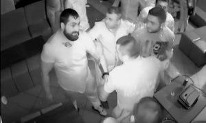 pelea-rumanos-club-timisoara