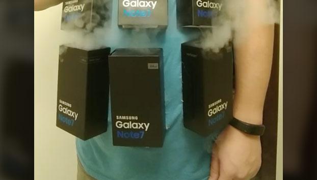 Alguien tenía que hacerlo: Se hace un disfraz 'explosivo' con el Galaxy Note 7