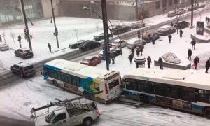 coches-autobuses-carretera-pista-hielo