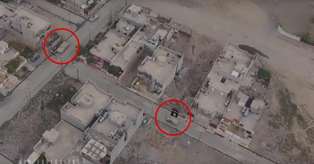 DA MIEDO: Coches bomba de ISIS explotando contra tanques iraquíes (Grabado con drones)