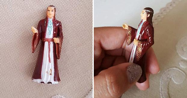 Una abuela reza cada día a una figura de 'El Señor de los Anillos' creyendo que es San Antonio