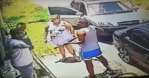 No le gustó el pan que le vendieron a su mujer y le acabó disparando con la escopeta al panadero (Vídeo)