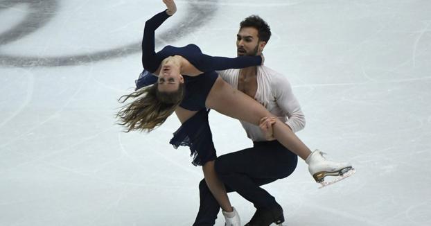 La pareja de Francia que hizo historia al romper la barrera de los 200 puntos en patinaje artístico sobre hielo