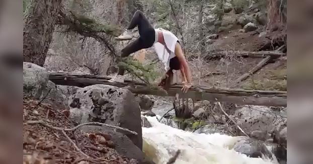No hay nada como empezar el día haciendo un poco de yoga en la naturaleza