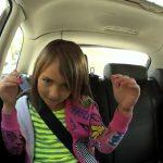 Dos niños hacen un Lip Dub de Gotye en un coche
