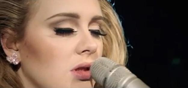 Adele poniendo los pelos de punta cantando 'Someone like you' en el Royal Albert Hall de Londres