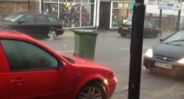 Los contenedores de basura de Irlanda han cobrado vida propia