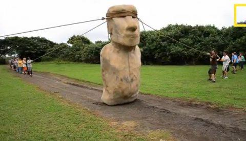 ¿Cómo transportaron los nativos de la Isla de Pascua sus famosas y pesadas estatuas?