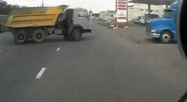 Echar gasolina en Rusia es peligroso