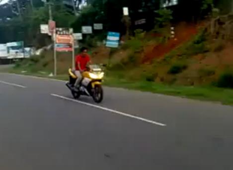 Cómo romperse la espalda estrenando la moto