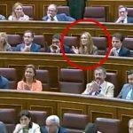 La diputada del PP Andrea Fabra grita supuestamente ''¡Qué se jodan!'' cuando Rajoy anuncia los recortes a parados