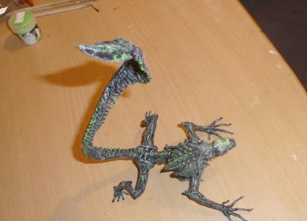 Cómo hacer un Alien con un trozo de alambre y papel de aluminio