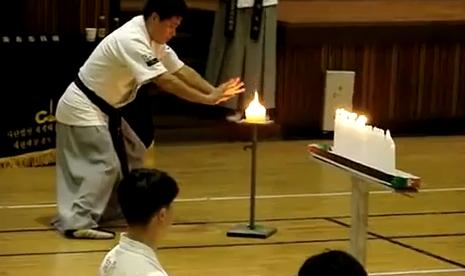 Apaga una vela con su energía