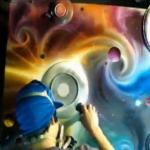 Arte con pintura en spray y fuego