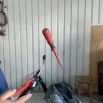 Mecánicos polacos haciendo de David Copperfield
