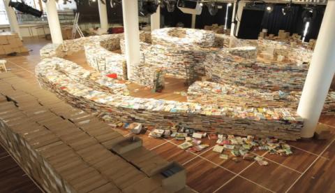 Hacen un laberinto con 250.000 libros