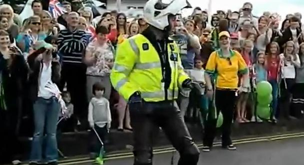 El policía más marchoso de Londres 2012