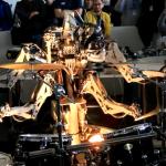 Un robot de 4 brazos tocando la batería