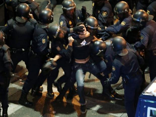 Violencia policial extrema durante el 25-S en Madrid. Esta es la policía que tenemos...