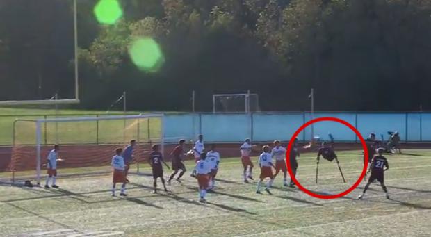 Espectacular gol de Nico Calabria, un jugador que sólo tiene una pierna