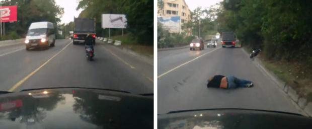 Una chica se queda dormida en la moto y choca contra un camión que viene por el otro carril