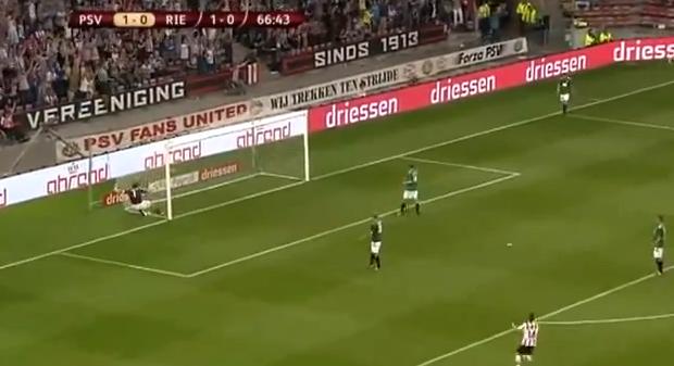 Impresionante gol de Jeremain Lens
