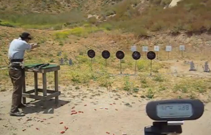 Podría ser uno de los hombres más rápidos del mundo disparando armas de fuego