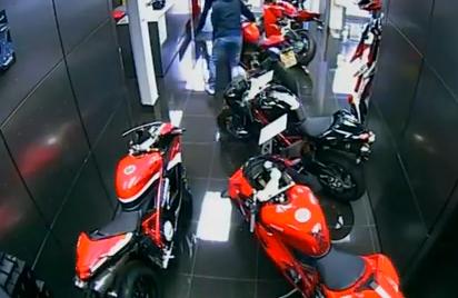 Intentan robar dos motos en un concesionario Ducati en Londres