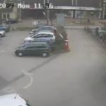 Nunca dejes tu coche cerca de la barrera del parking