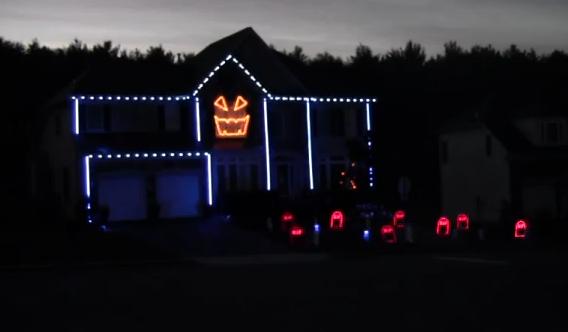 Halloween 2012: Espectáculo de luces en una casa al ritmo de Gangnam Style