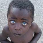 El niño con los ojos de zafiro