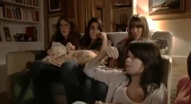 Reacciones de chicas viendo porno por primera vez