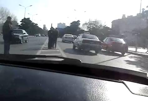¿Qué harías si te montas en un taxi en China y el conductor conduce así?