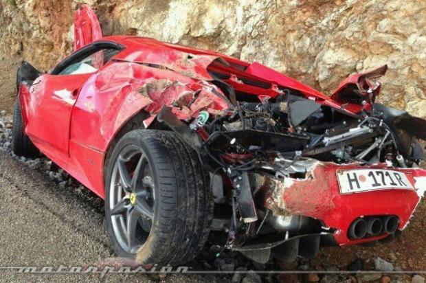 Se compra un Ferrari 458 Spider de 300.000 euros y lo siniestra nada más estrenarlo