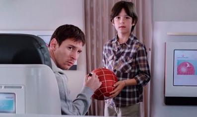 Un niño consigue enfrentar a Leo Messi y Kobe Bryant en el último anuncio de Turkish Airlines