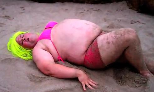 Un fan de Nicki Minaj hace su propia versión del videoclip Starships
