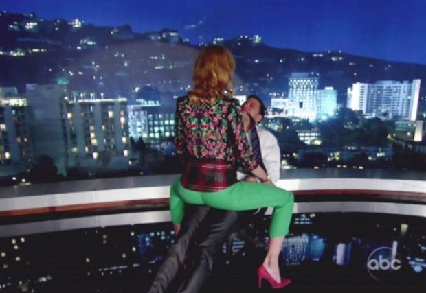 Nicole Kidman le hace un baile erótico a Jimmy Kimmel en directo
