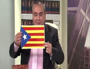 Armando Robles quema una estelada catalana en directo