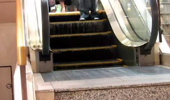 La escalera mecánica más corta del mundo