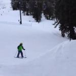 Un niño de 11 años hace su primer salto de esquí