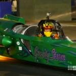 El piloto de dragster Pieter De Wit choca a más de 400 km/h durante la Perth Motorplex