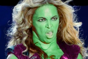 Montajes con las fotos de la Super Bowl de Beyoncé